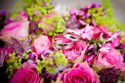 flowers 260894 1280 435x290 - Wiązanki i kwiaty ślubne