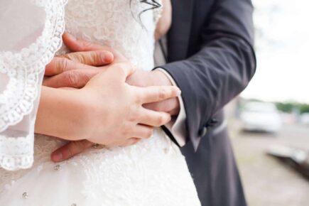 bride groom 1050297 1920 435x290 - Jak zorganizować wesele idealne?
