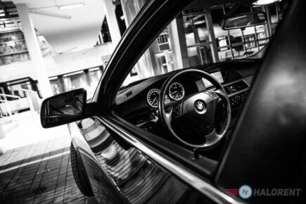 IMG 4699 3 435x290 - Wybieramy nowoczesny samochód ślubny